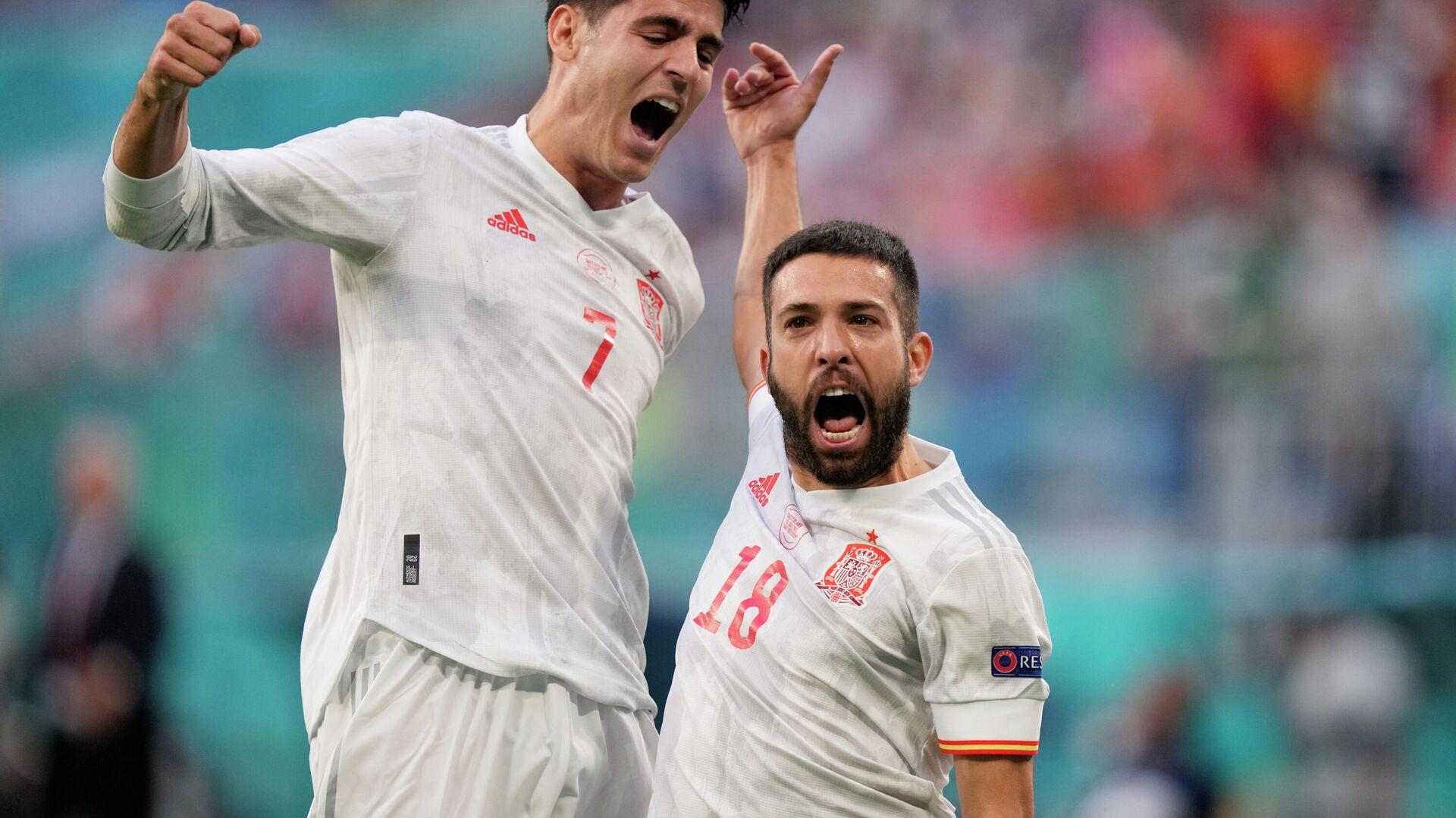 Selección de España celebra su gol ante Suiza durante la Eurocopa 2020 en San Peterburgo (Rusia), el 2 de julio del 2021 - Sputnik Mundo, 1920, 02.07.2021