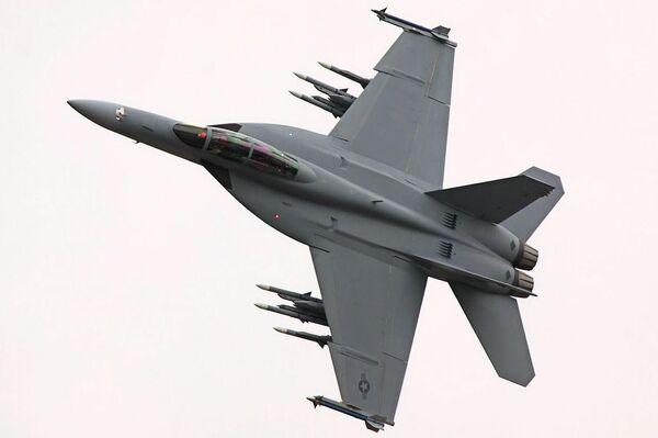Caza estadounidense F/A-18F Super Hornet - Sputnik Mundo