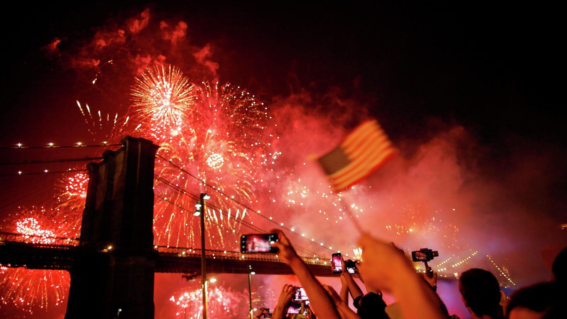 Los fuegos artificiales por el Día de la Independencia en EEUU - Sputnik Mundo, 1920, 05.07.2021