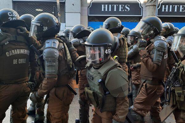 Policía miliatrizada - Sputnik Mundo