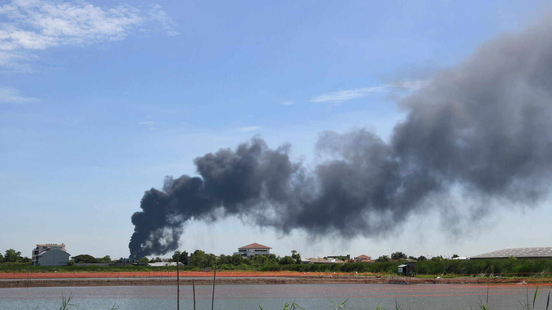 Explosión en una planta química cerca de Bangkok - Sputnik Mundo, 1920, 05.07.2021