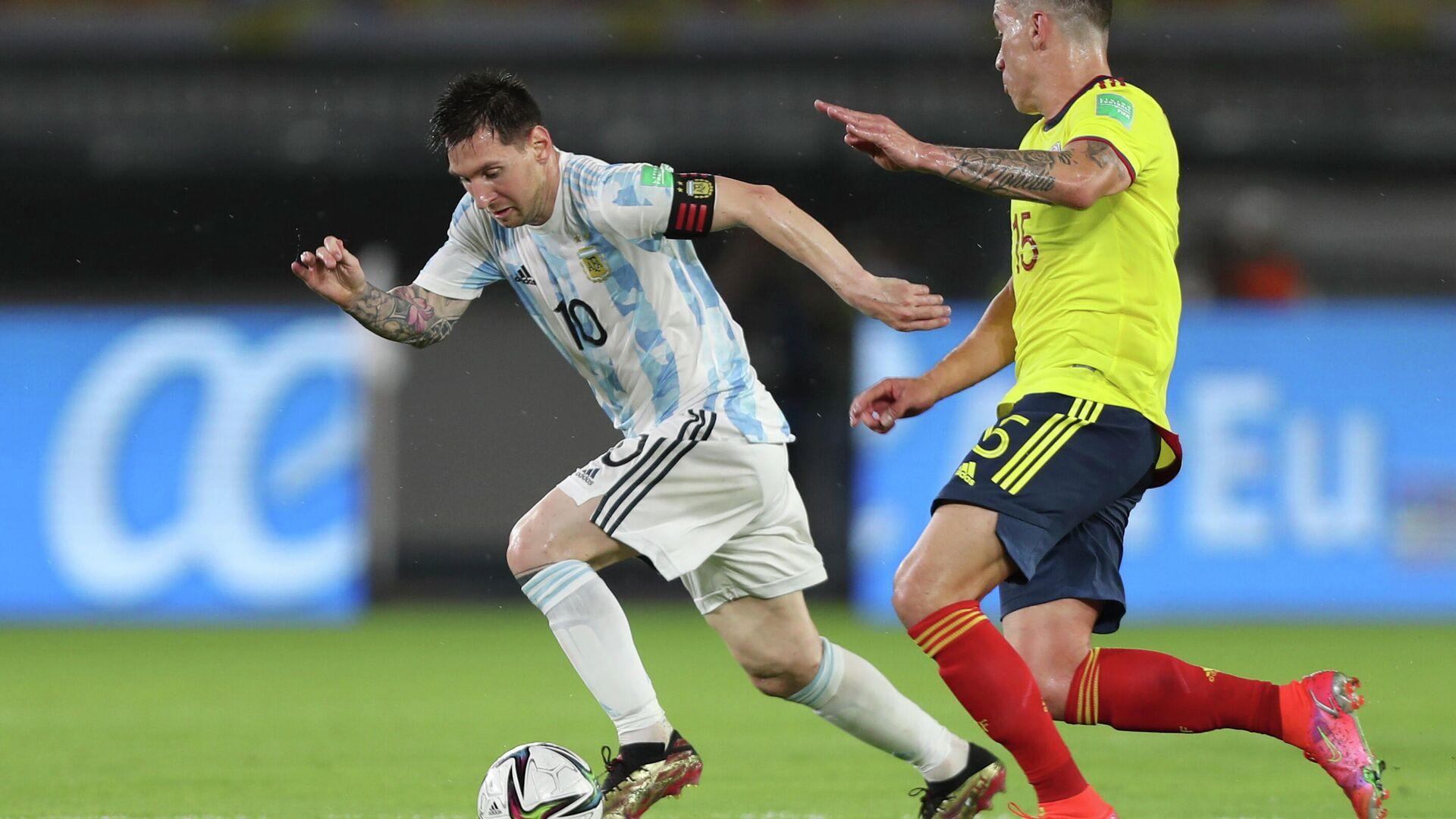 Lionel Messi y Matheus Uribe. En el partido Argentina-Colombia del 8 de junio de 2021 - Sputnik Mundo, 1920, 05.07.2021