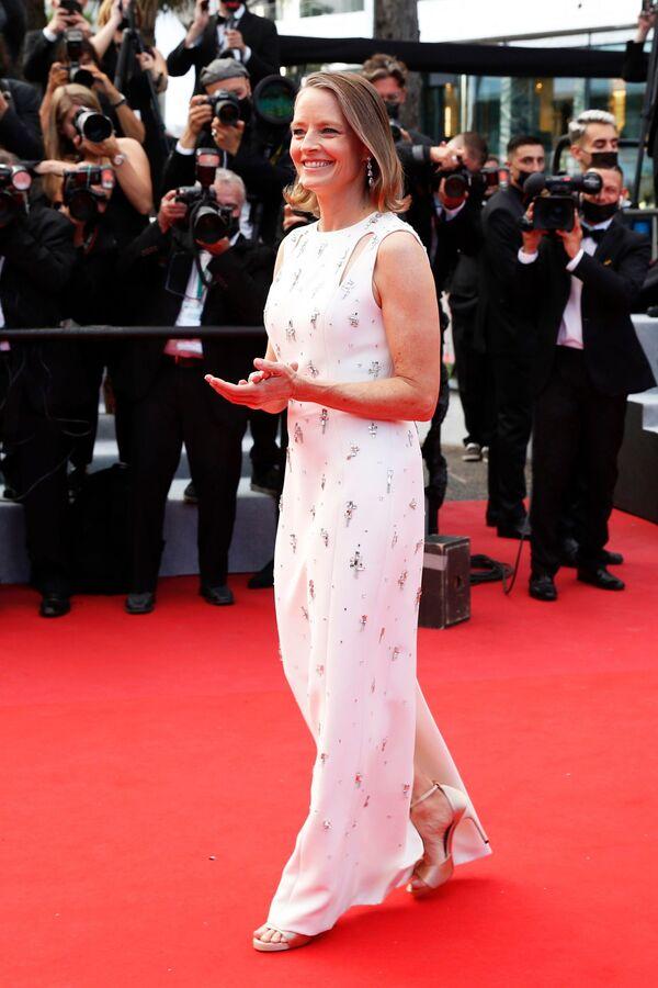 La actriz Jodie Foster llega a la ceremonia de apertura del festival de Cannes. - Sputnik Mundo
