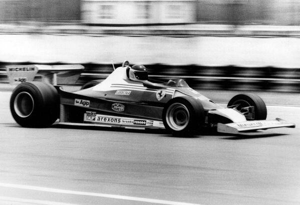 Carlos Reutemann a bordo de su Ferrari 312T2, en las pruebas del Gran Premio de Argentina de Fórmula 1. Buenos Aires, 7 de enero de 1978. - Sputnik Mundo