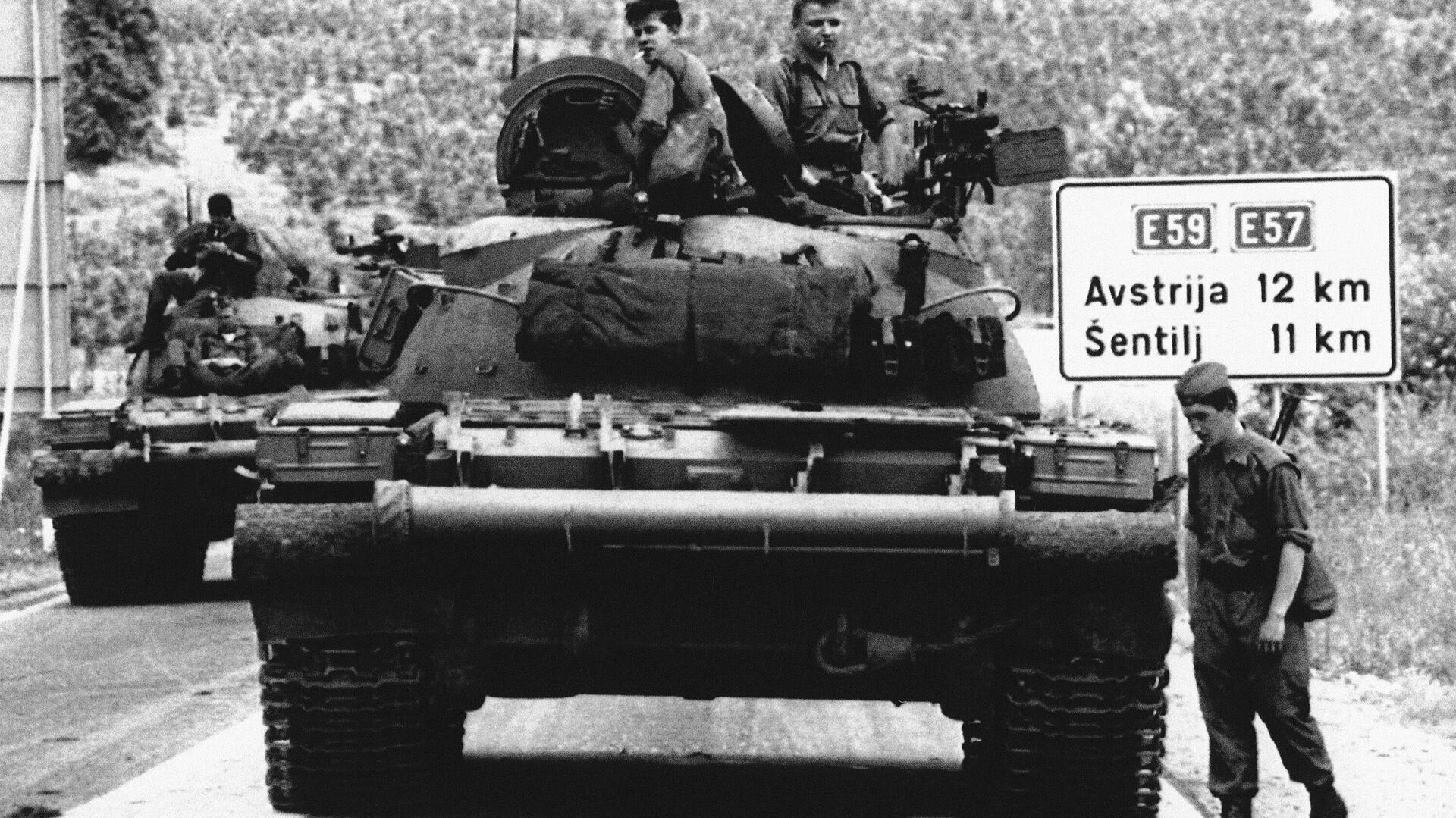 Tanques de Yugoslavia en 1991 (archivo) - Sputnik Mundo, 1920, 08.07.2021