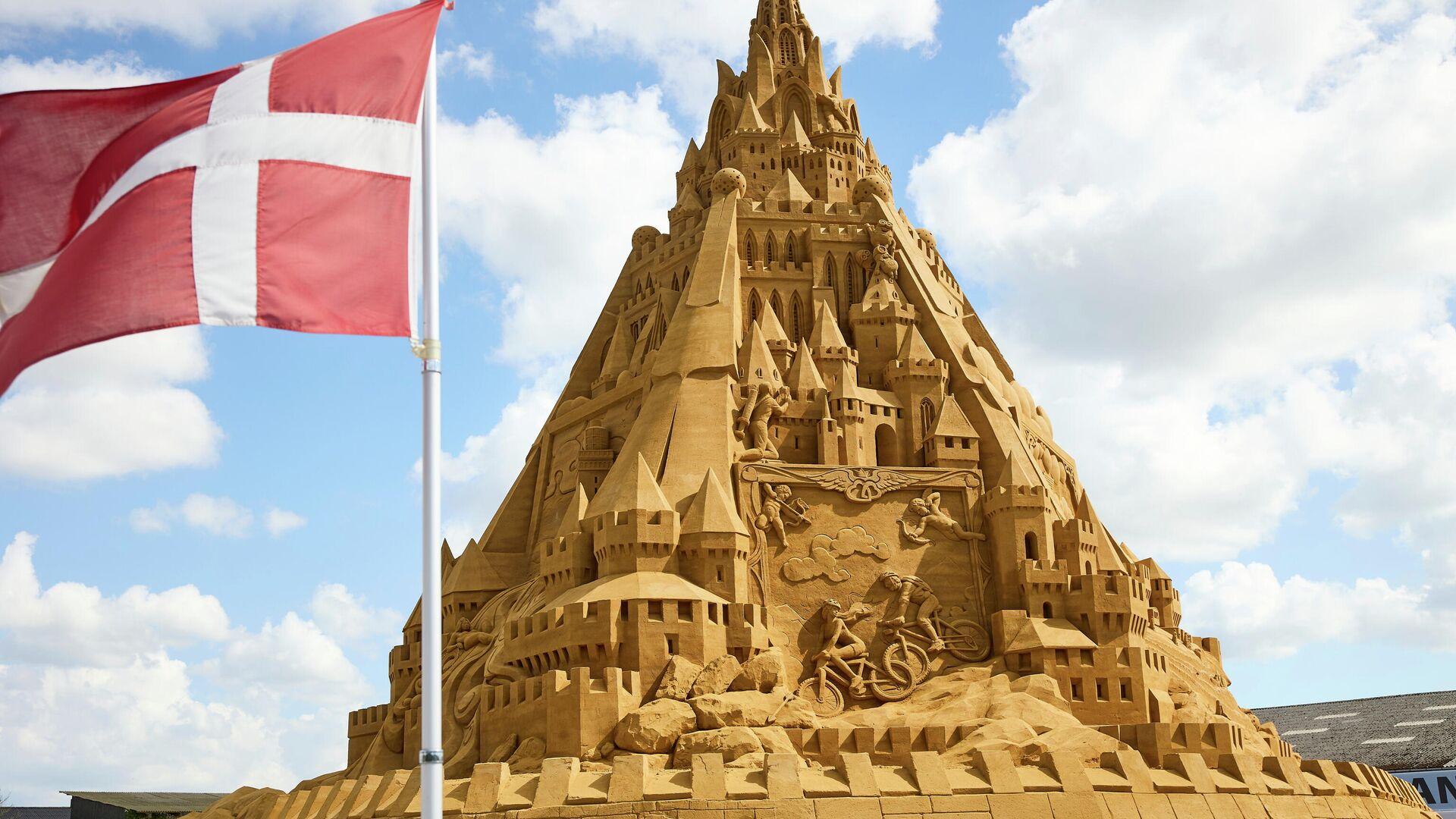 El castillo de arena más alto del mundo - Sputnik Mundo, 1920, 08.07.2021