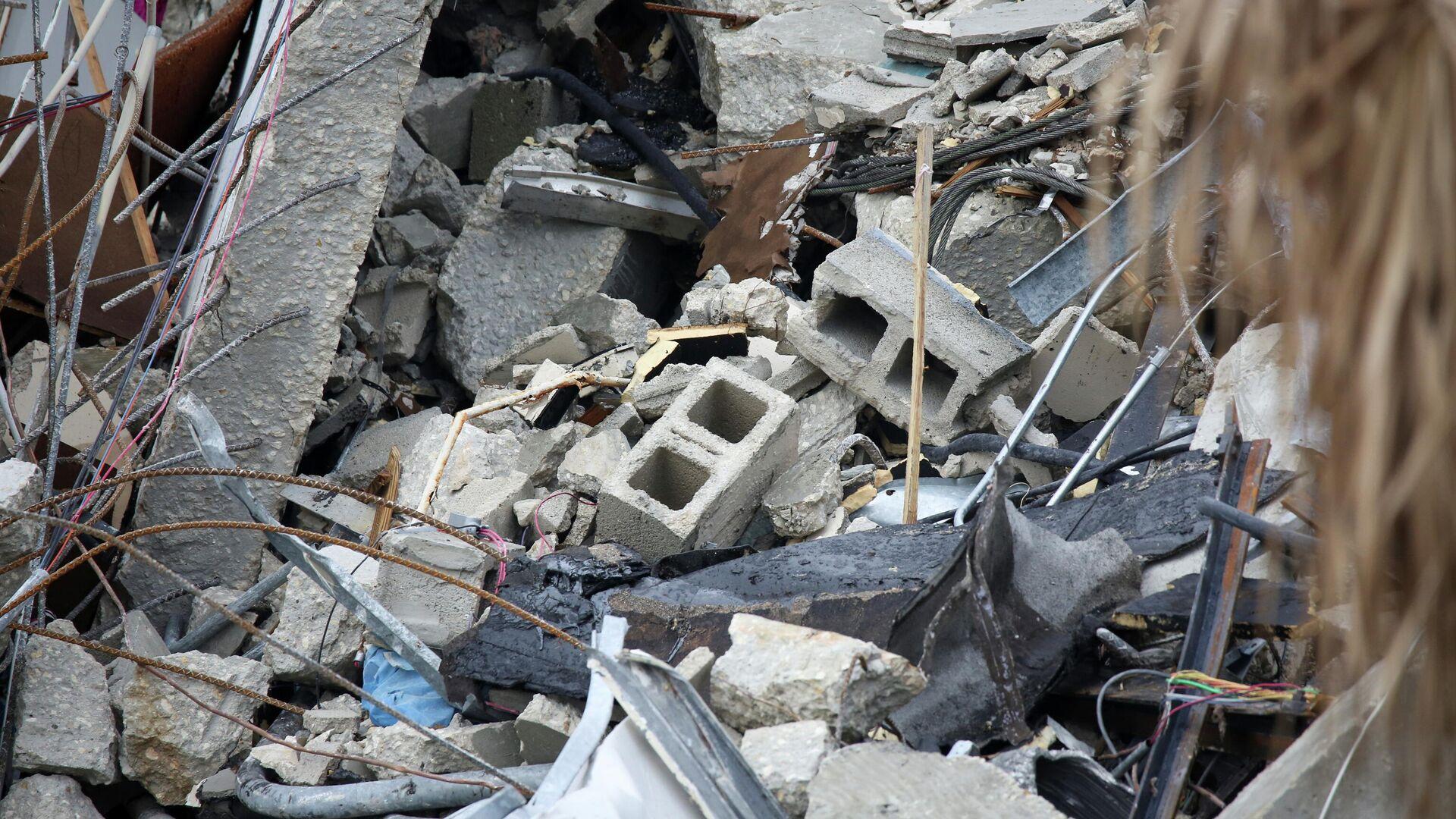 Escombros del edificio Champlain Towers South de la localidad de Surfside, EEUU - Sputnik Mundo, 1920, 09.07.2021