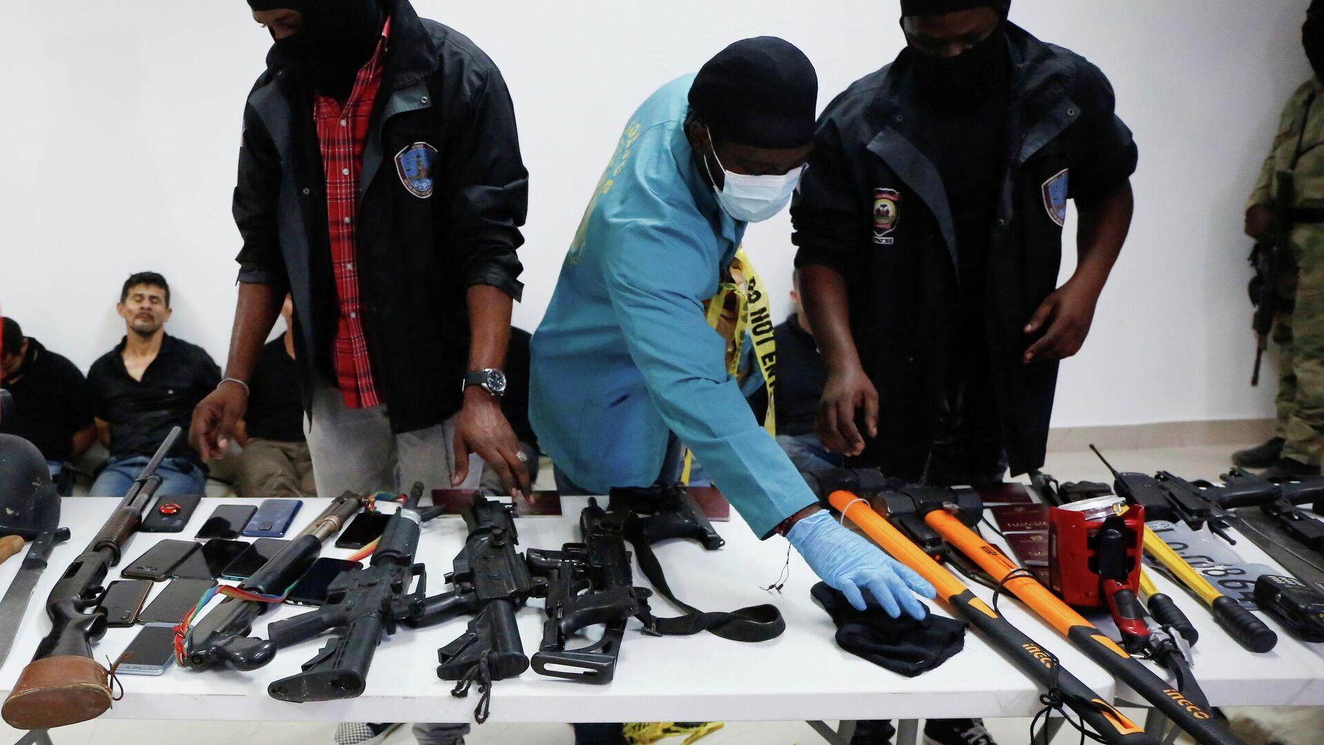 Armas incautadas a los detenidos cómplices del asesinato del presidente haitiano, Jovenel Moise - Sputnik Mundo, 1920, 09.07.2021