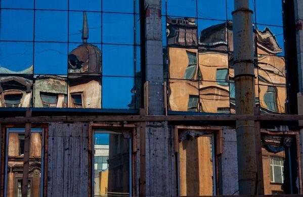 La metamorfosis, de Elena Kúltisheva, nos muestra cómo está cambiando la imagen de San Petersburgo. - Sputnik Mundo
