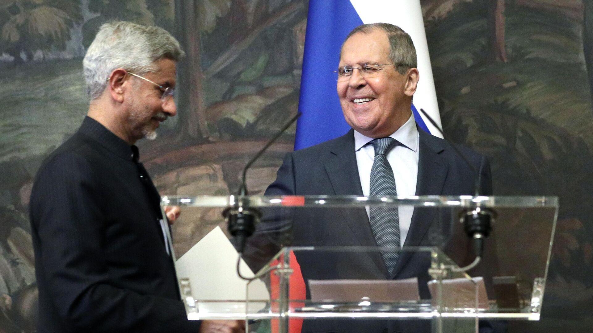 El canciller indio, Subrahmanyam Jaishankar, y  el ministro de Exteriores ruso, Serguéi Lavrov - Sputnik Mundo, 1920, 09.07.2021