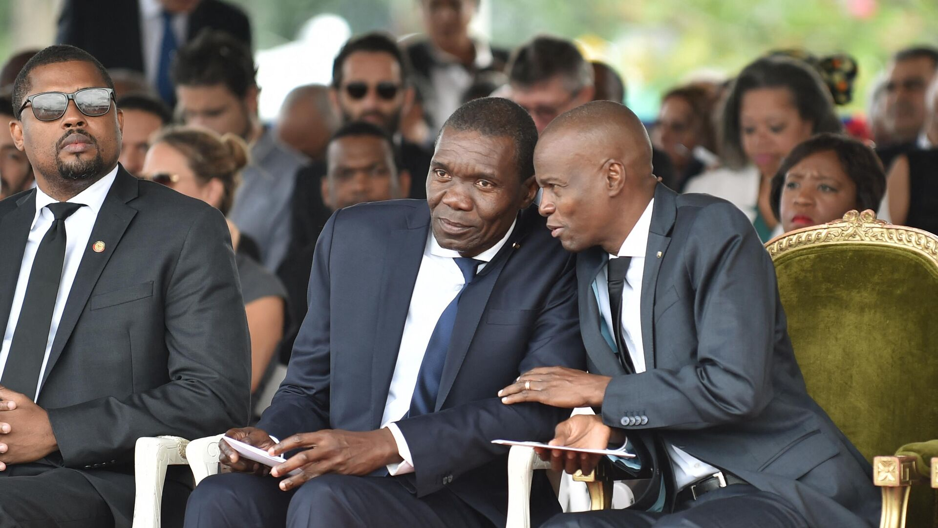 El senador Joseph Lambert, junto a Jovenel Moise, presidente de Haití asesinado - Sputnik Mundo, 1920, 10.07.2021