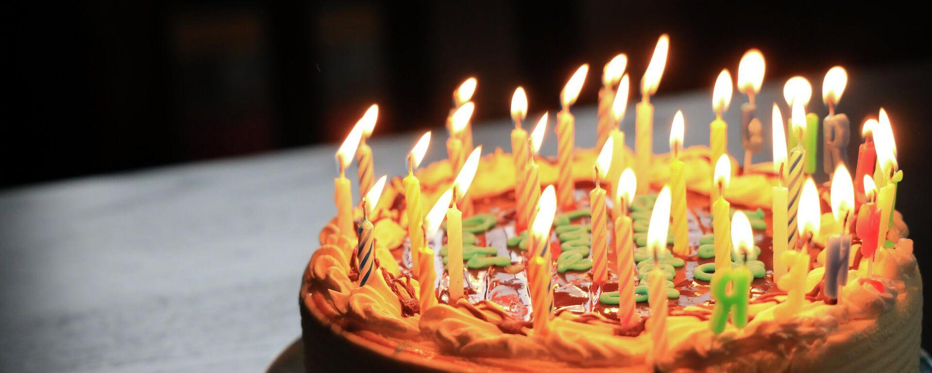 Una torta de cumpleaños - Sputnik Mundo, 1920, 12.07.2021