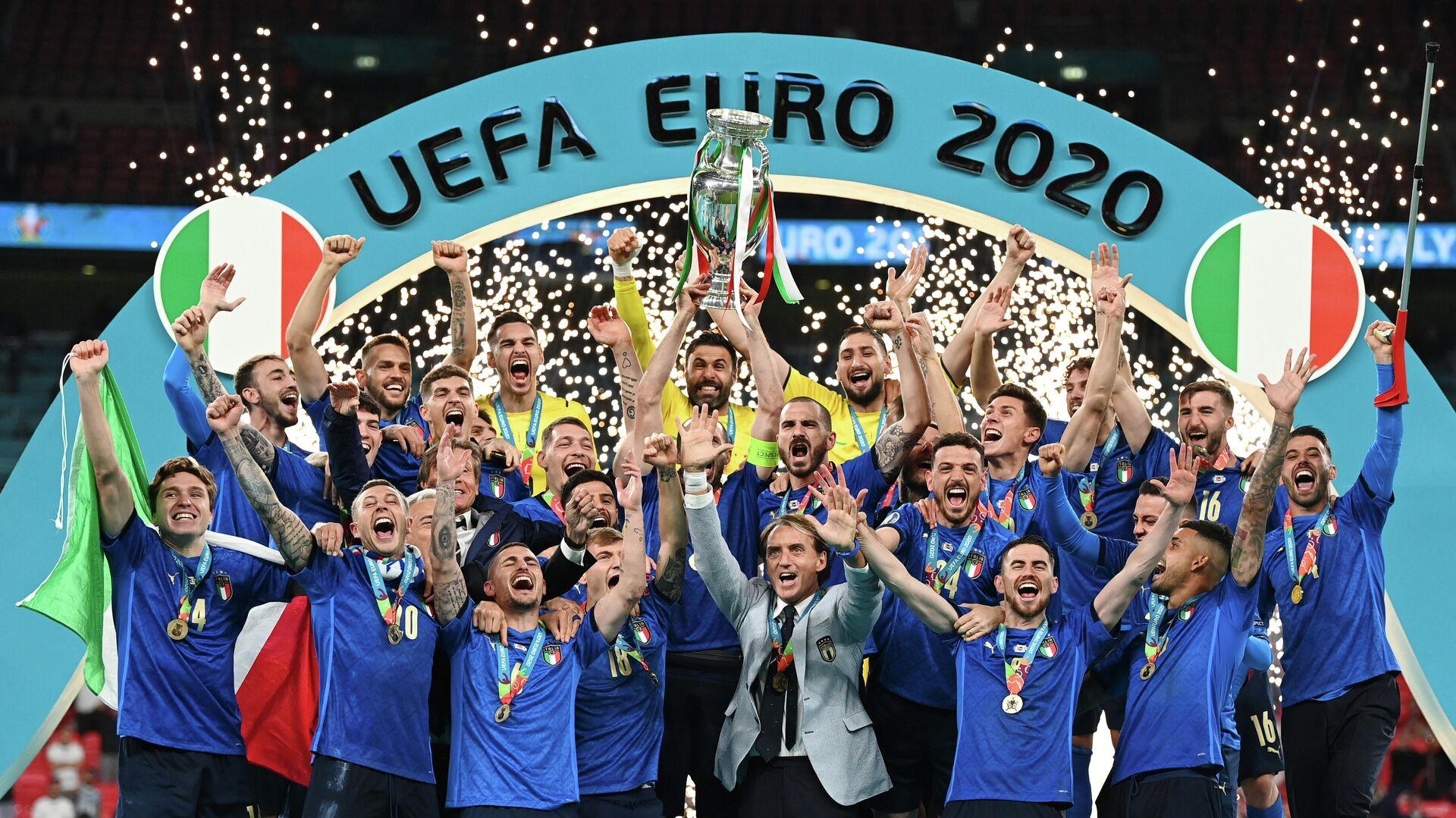 La selección italiana tras su victoria en la Eurocopa 2020 - Sputnik Mundo, 1920, 12.07.2021