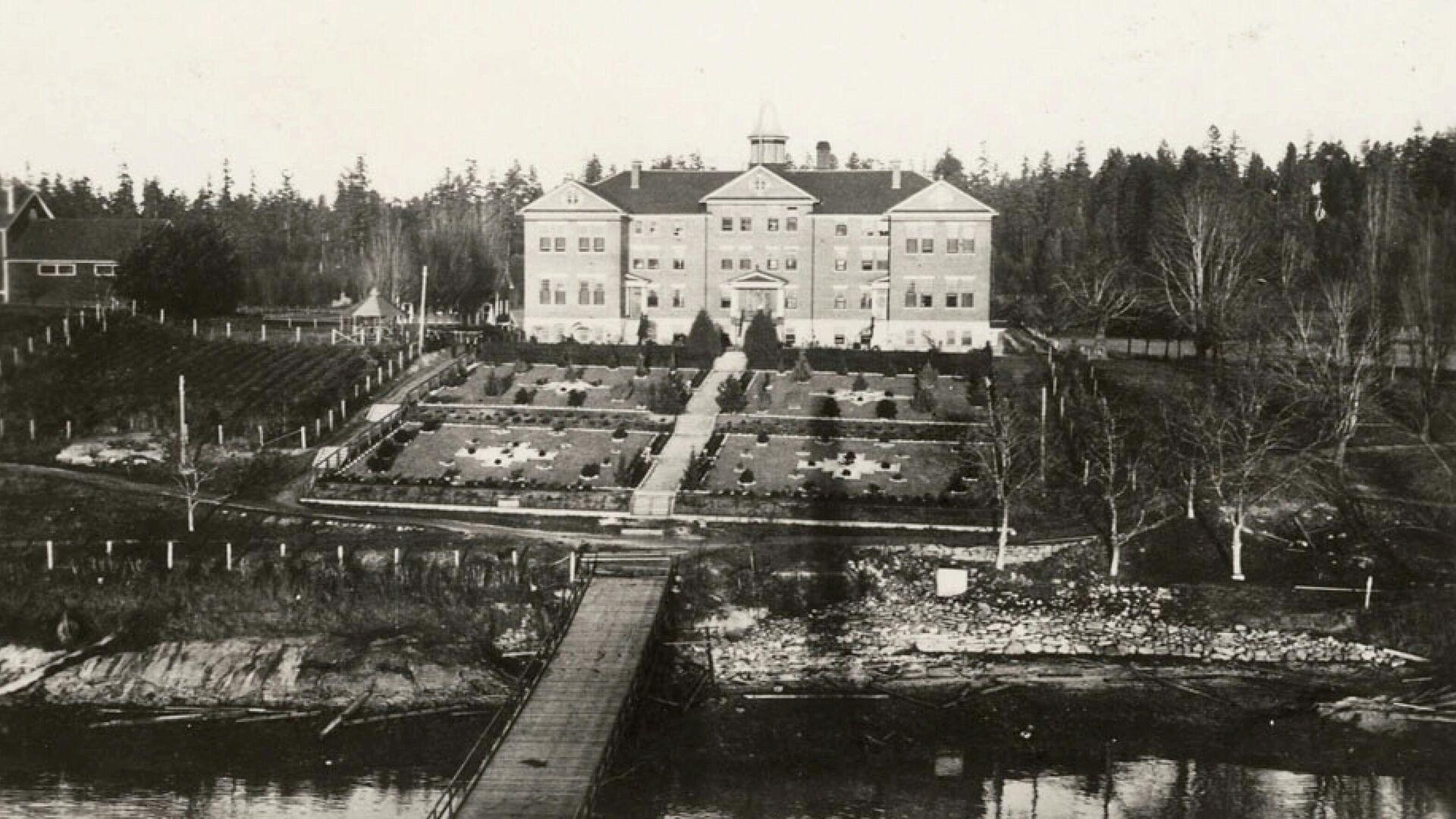 Kuper Island Industrial School, antigua escuela en la isla Penelakut, Canadá - Sputnik Mundo, 1920, 14.07.2021