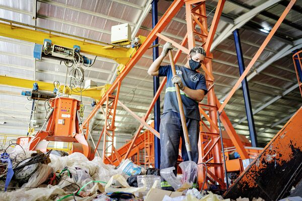 Argentina produce por año 200.000 toneladas de plásticos PET, pero solo 10% se reutiliza - Sputnik Mundo
