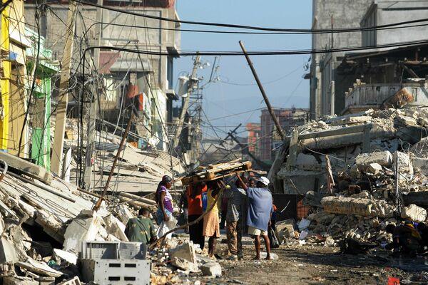 Las consecuencias del devastador terremoto de 2010 en Haití - Sputnik Mundo