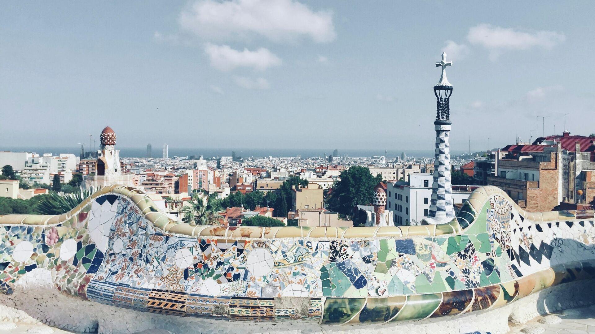 El parque Güell en Barcelona - Sputnik Mundo, 1920, 15.07.2021