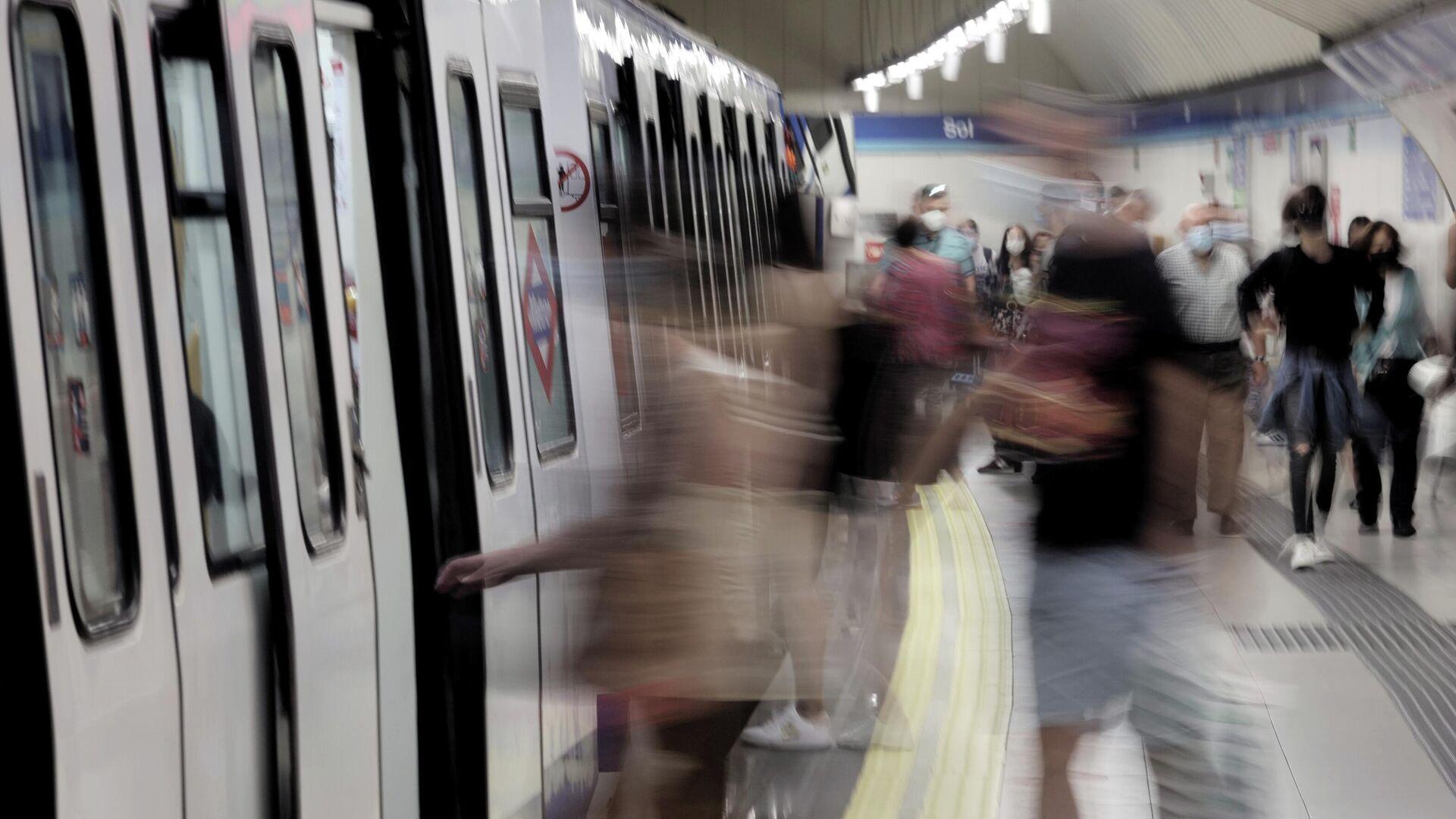 Una imagen del metro de Madrid el 14 de junio de 2021 (referencial) - Sputnik Mundo, 1920, 19.07.2021
