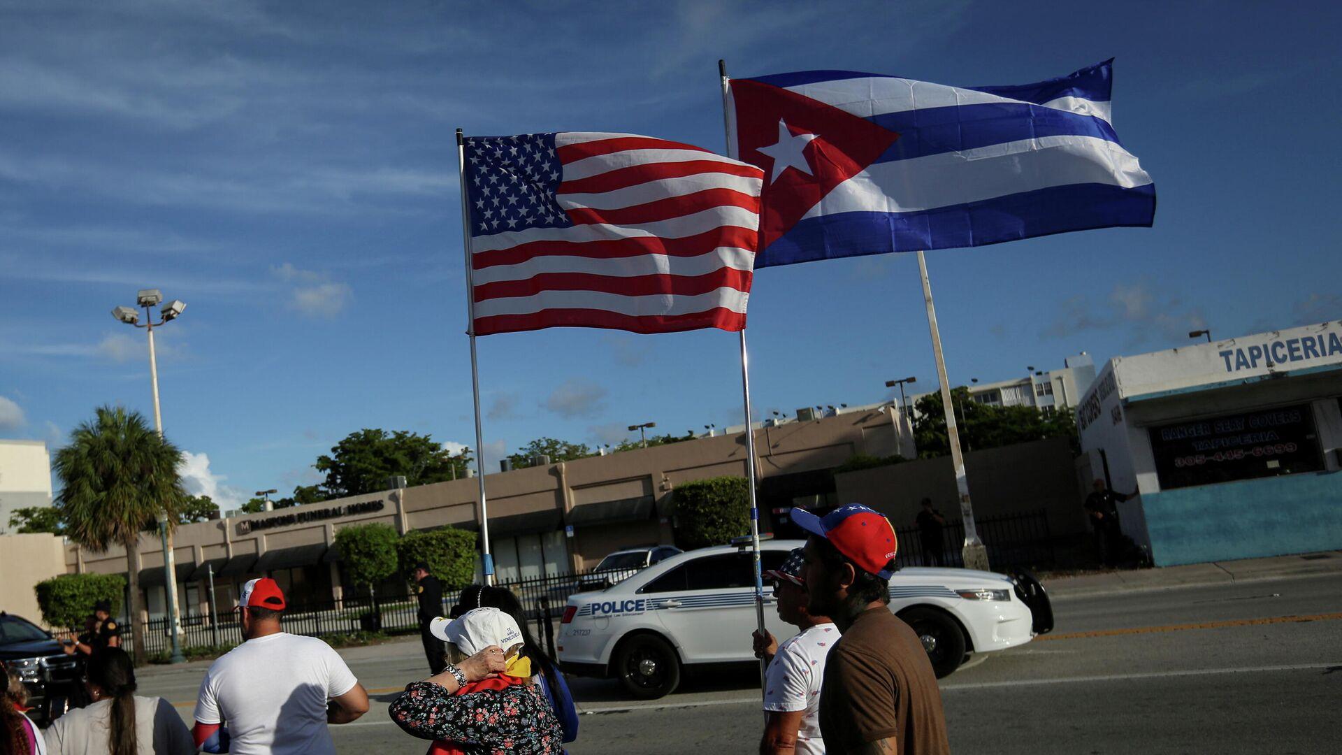 Las banderas de EEUU y Cuba - Sputnik Mundo, 1920, 11.08.2021