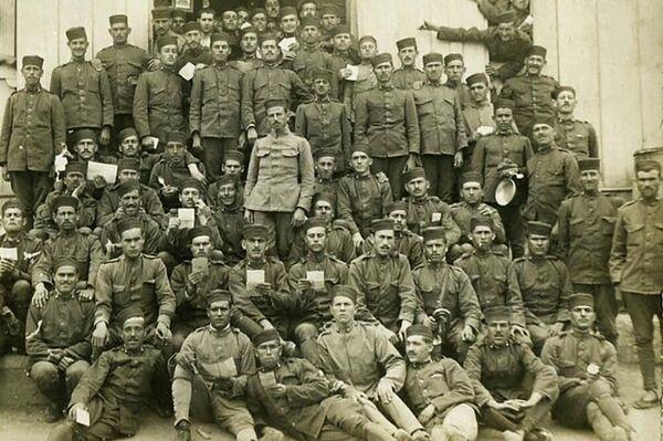 Regimiento de Artillería Mixto de Melilla en Marzo de 1920 Cartas Familia  - Sputnik Mundo