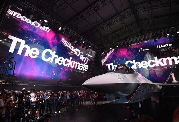 El Checkmate es el primer caza ligero monomotor multipropósito de Rusia. - Sputnik Mundo
