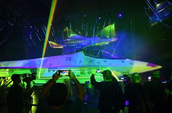 Sobre la base del Checkmate se puede crear un nuevo dron de ataque. El sistema de apoyo logístico Matrioshka fue desarrollado especialmente para él. - Sputnik Mundo