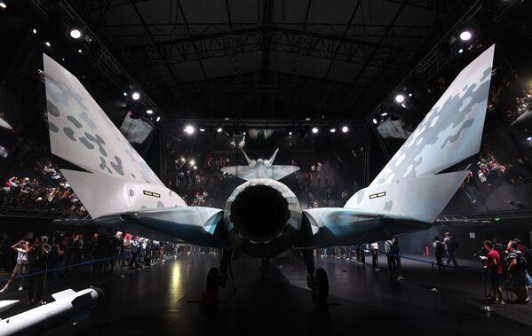 Rusia espera que su nuevo avión goce de especial popularidad en los mercados de los países africanos, así como en Vietnam y la India.La demanda estimada es de unas 300 unidades. - Sputnik Mundo
