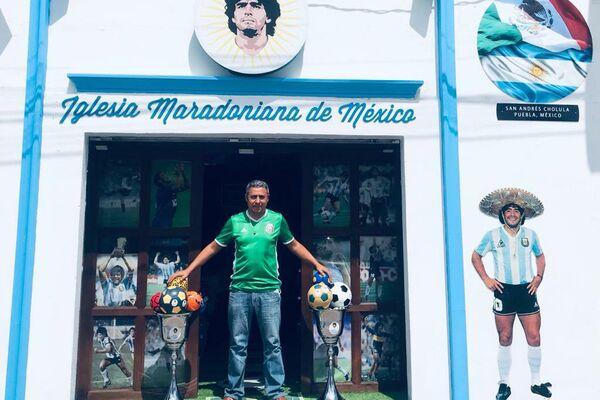 Marcelo Buchet, fundador de la Iglesia Maradoniana de México - Sputnik Mundo