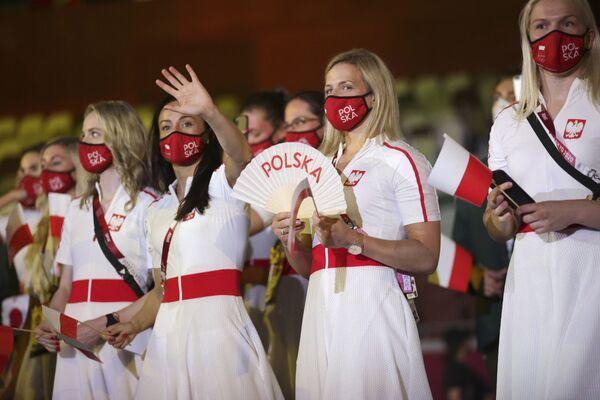 Miembros de la selección de Polonia durante la ceremonia de inauguración de los JJOO de Tokio. - Sputnik Mundo