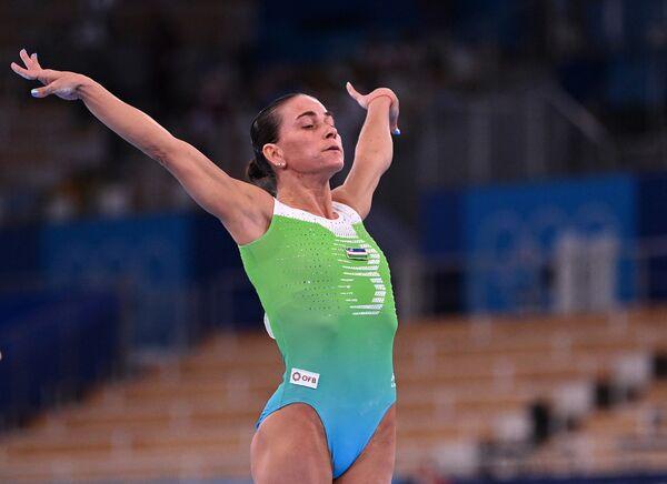 La gimnasta Oksana Chusovítina tiene 46 años. Durante su carrera deportiva representó a la Unión Soviética, Alemania y Uzbekistán. Es la única persona en la historia de gimnasia que ha participado en ocho Juegos Olímpicos de verano. Además, es la campeona olímpica del año 1992. Sus logros fueron registrados en el Libro Guinness de los récords. - Sputnik Mundo