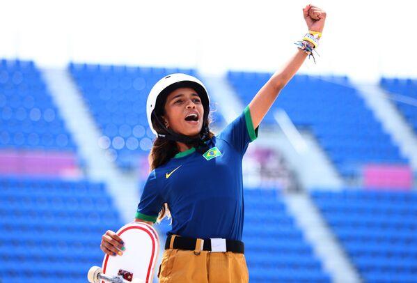 La skater brasileña Rayssa Leal tiene 13 años. - Sputnik Mundo