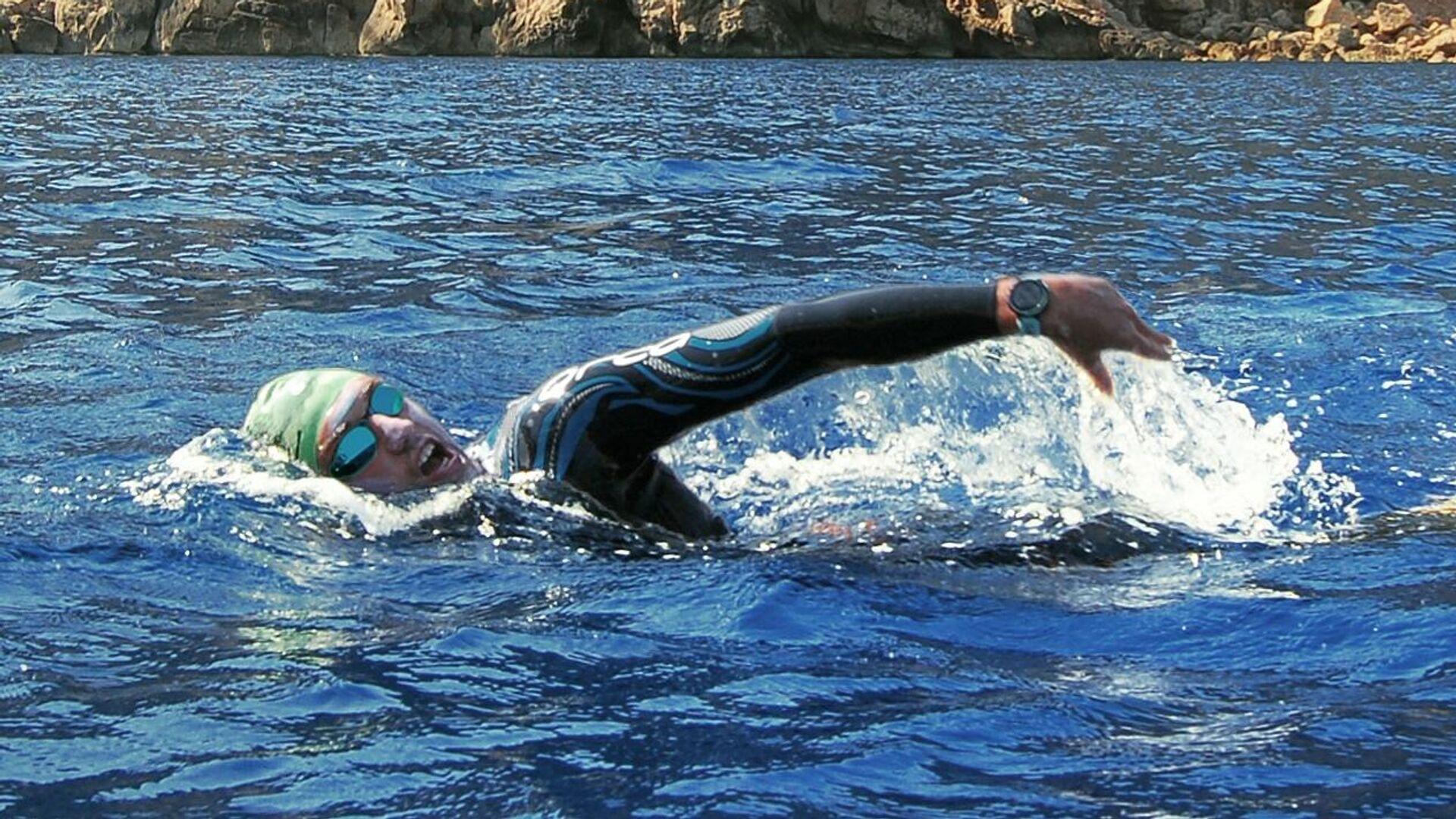 Rafael Megías bordea isla de Ibiza nadando - Sputnik Mundo, 1920, 27.07.2021