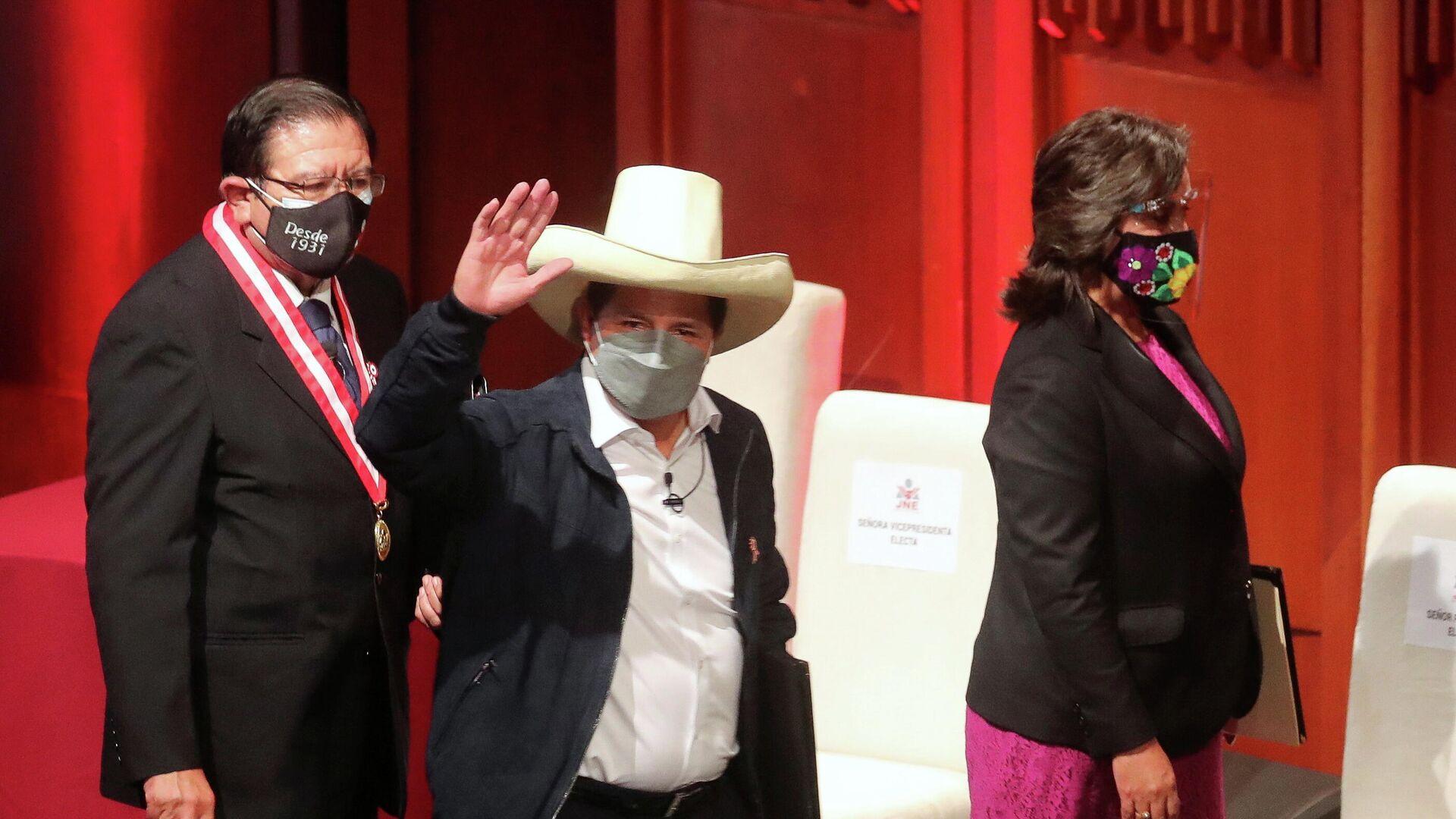 Pedro Castillo, presidente electo de Perú, recibe las cartas credenciales para la presidencia - Sputnik Mundo, 1920, 29.07.2021