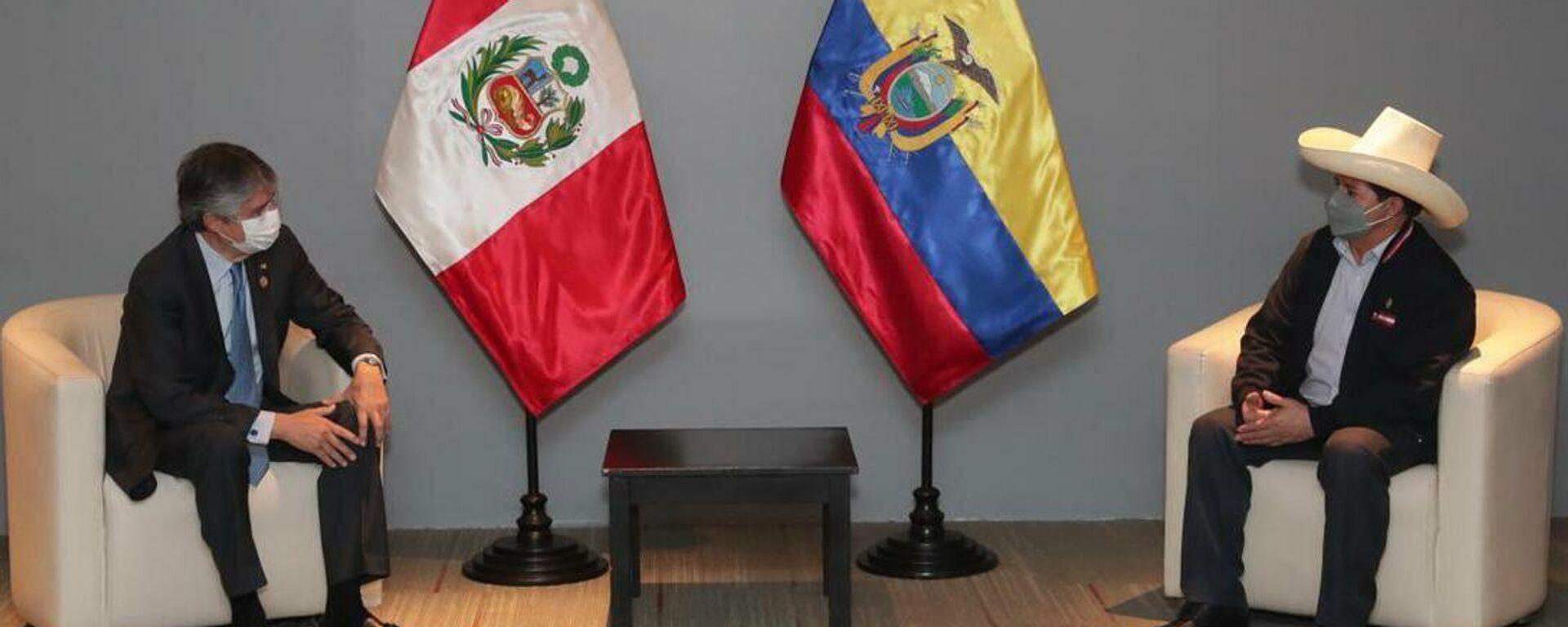 El presidente de Ecuador, Guillermo Lasso, y el presidente electo de Perú, Pedro Castillo - Sputnik Mundo, 1920, 28.07.2021