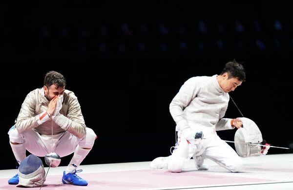 El italiano Luigi Samele y el surcoreano Kim Jung-hwan durante la semifinal de esgrima individual masculina con sable. - Sputnik Mundo