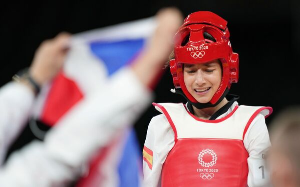 La española Adriana Cerezo Iglesias después de la pelea final femenina de taekwondo hasta 49 kg, en la cual conquistó la plata olímpica. - Sputnik Mundo