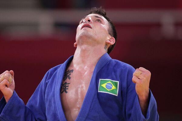 Daniel Cargnin, judoca de Brasil, celebra su bronce olímpico - Sputnik Mundo