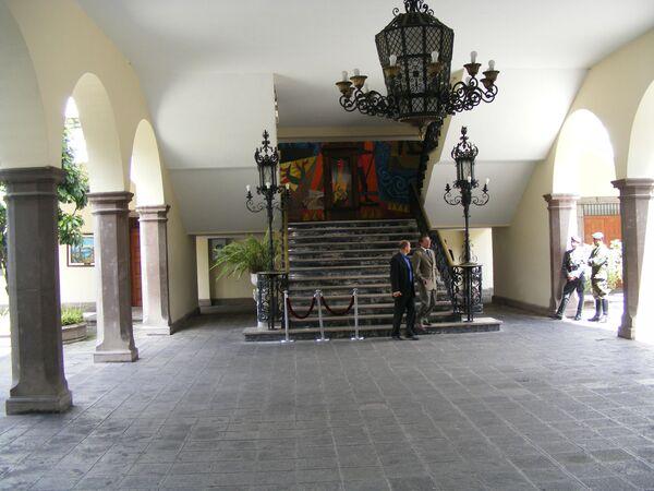 El actual mandatario ecuatoriano, Guillermo Lasso, vivirá con su esposa en Carondelet a partir del 15 de agosto, una vez finalizadas las obras de remodelación, cuyo costo ronda los 800.000 dólares, que correrán por cuenta de Lasso. - Sputnik Mundo