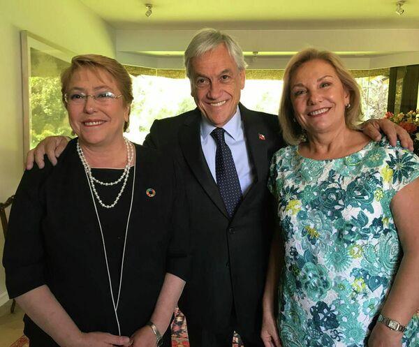 El actual presidente chileno, Sebastián Piñera, vive en su casa de Las Condes, comuna al noroeste de Santiago. La propiedad tiene 11.900 metros cuadrados y está valuada en 3.000 millones de pesos (casi cuatro millones de dólares). - Sputnik Mundo