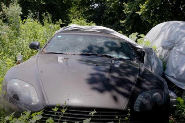 Un Aston Martin Vantage S en el depósito municipal de Hangzhou - Sputnik Mundo