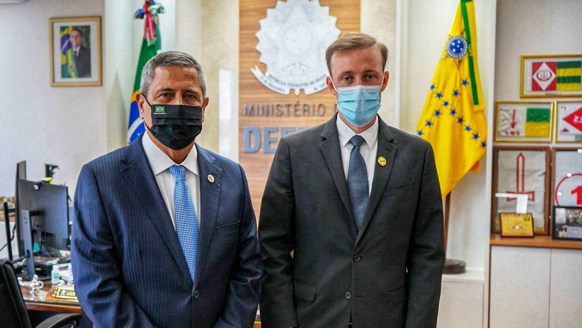 El consejero de Seguridad de EEUU, Jake Sullivan, y el ministro de Defensa de Brasil, Walter Braga Netto - Sputnik Mundo, 1920, 05.08.2021