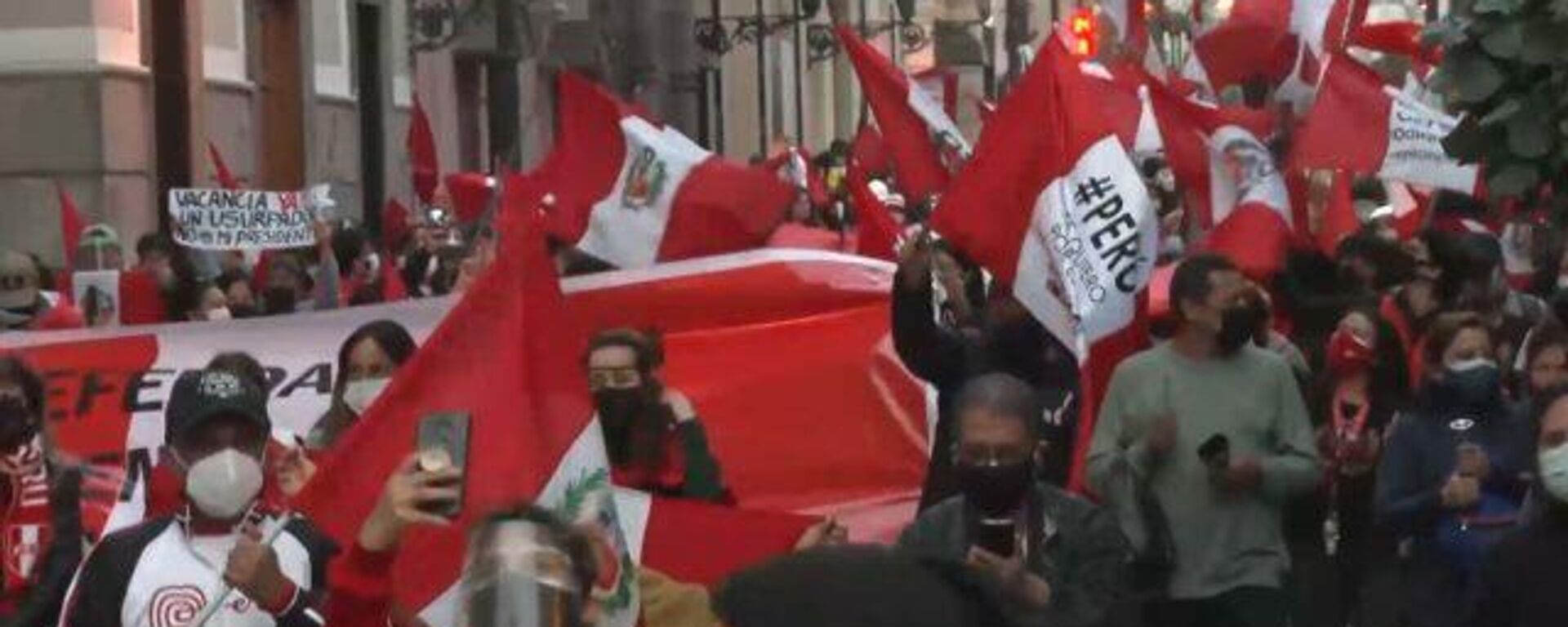 Las protestas contra el nuevo gabinete de Pedro Castillo reavivan las tensiones en Perú - Sputnik Mundo, 1920, 06.08.2021