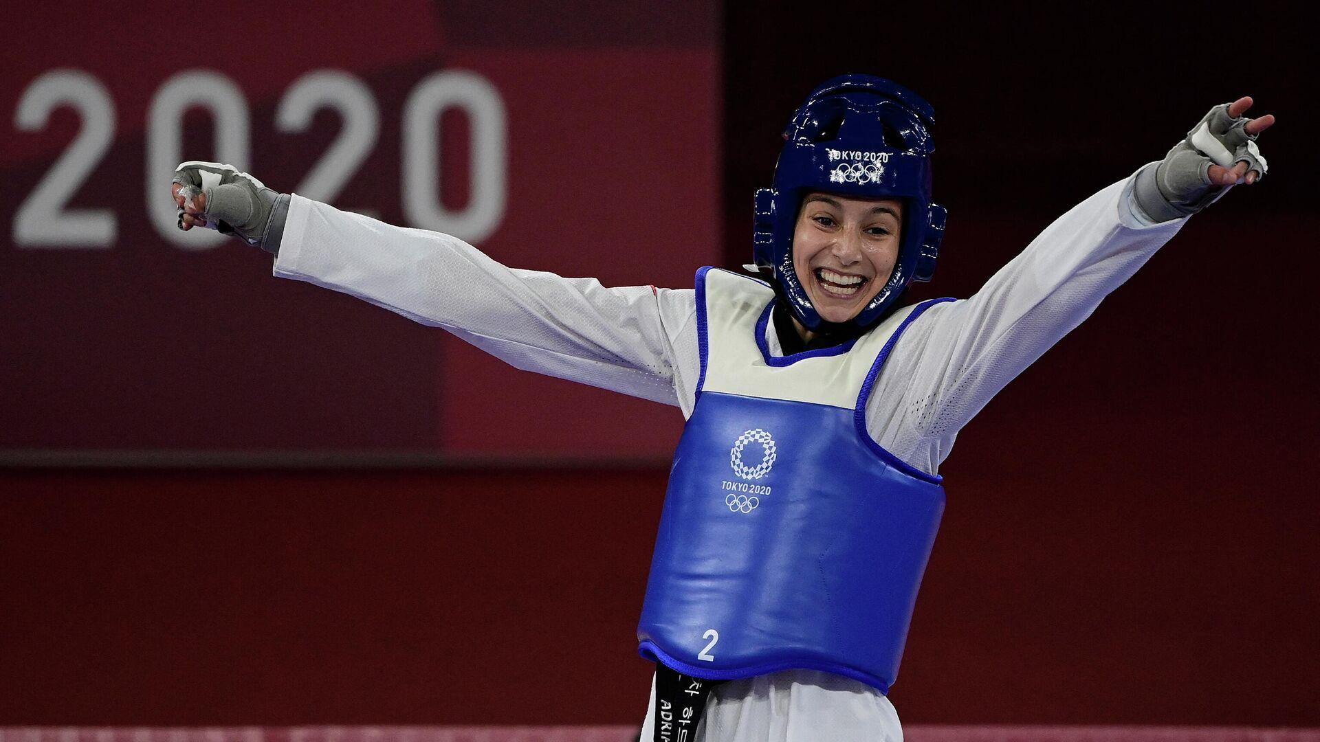 Adriana Cerezo, tras ganar el combate semifinal en la categoría de 49 kg en Tokio 2020 - Sputnik Mundo, 1920, 11.08.2021