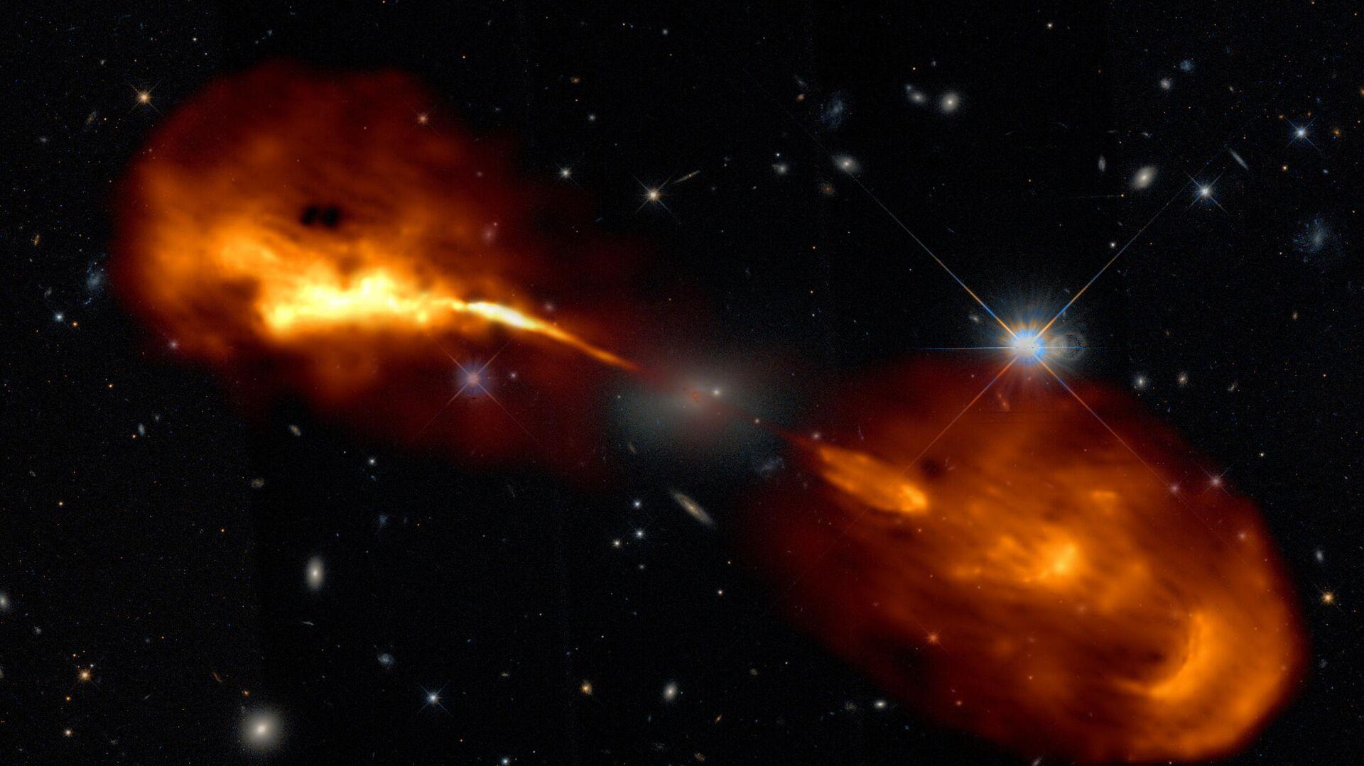 Galaxia Hercules A con agujero negro en el centro - Sputnik Mundo, 1920, 19.08.2021