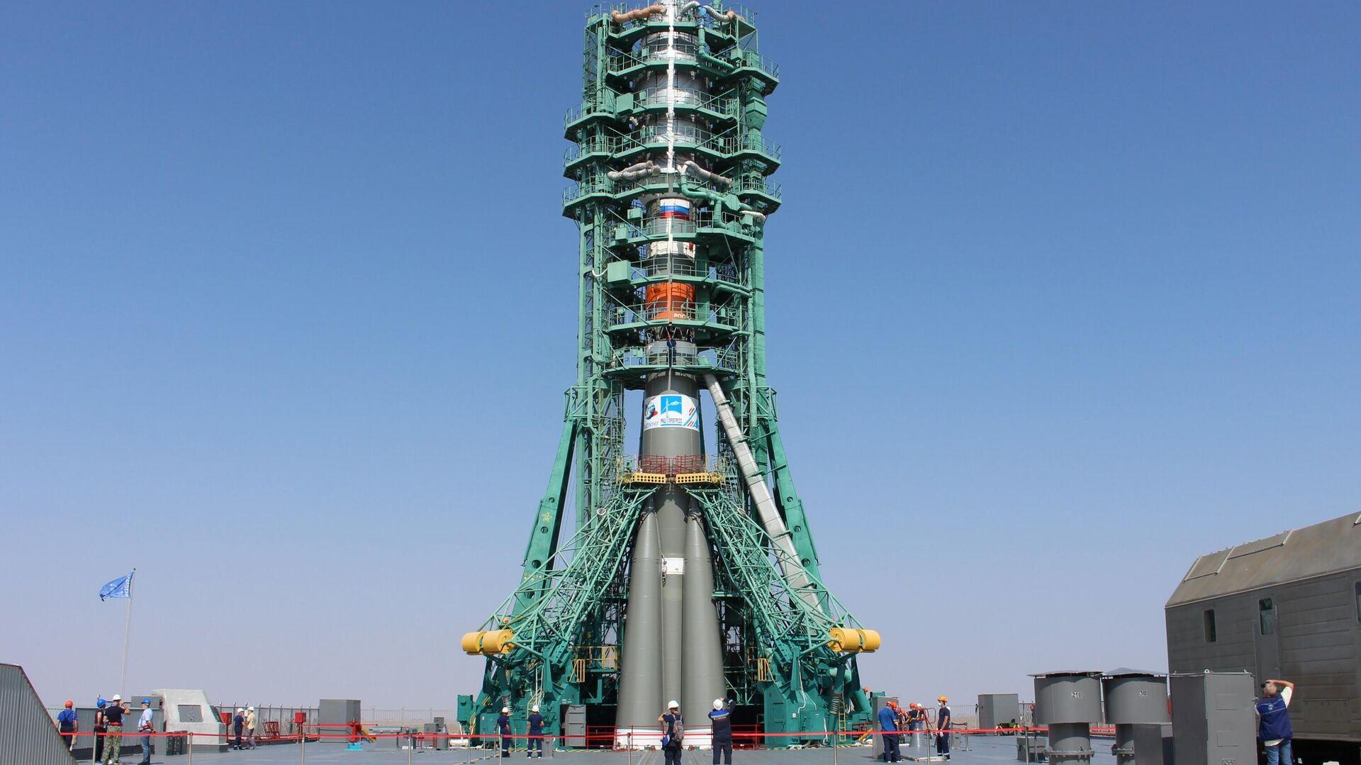 El cohete Soyuz-2.1b en el cosmódromo Baikonur - Sputnik Mundo, 1920, 20.08.2021