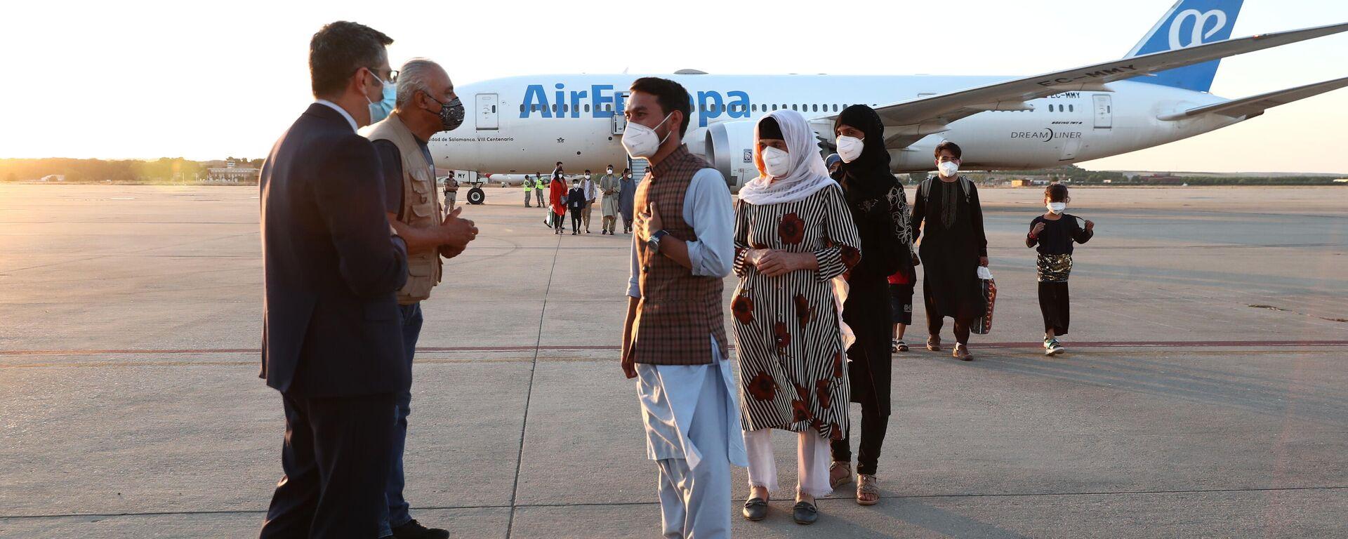 La llegada del segundo avión con los colaboradores del Gobierno español en Afganistán - Sputnik Mundo, 1920, 27.08.2021