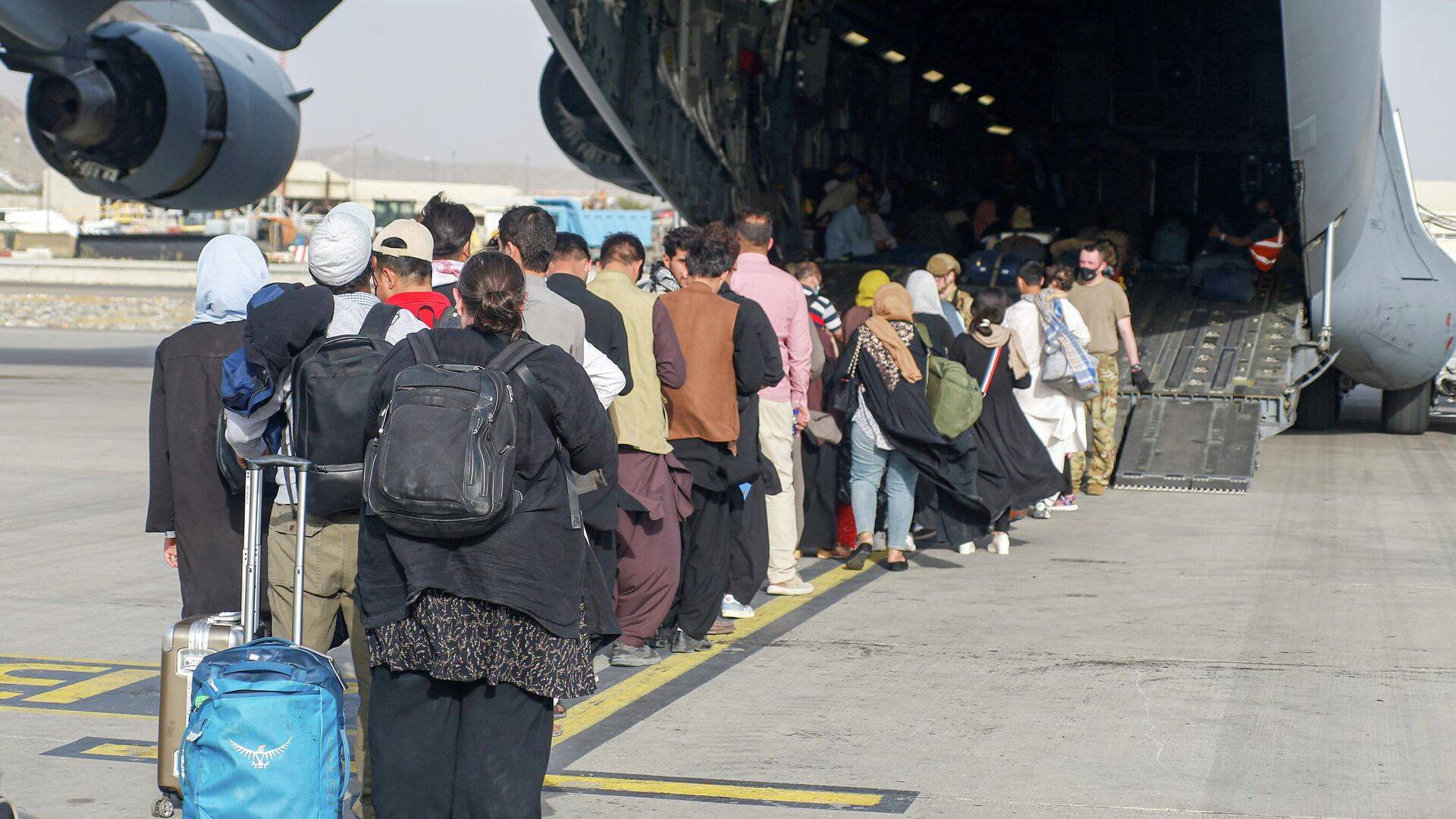 Las evacuaciones en Kabul, Afganistán - Sputnik Mundo, 1920, 22.08.2021