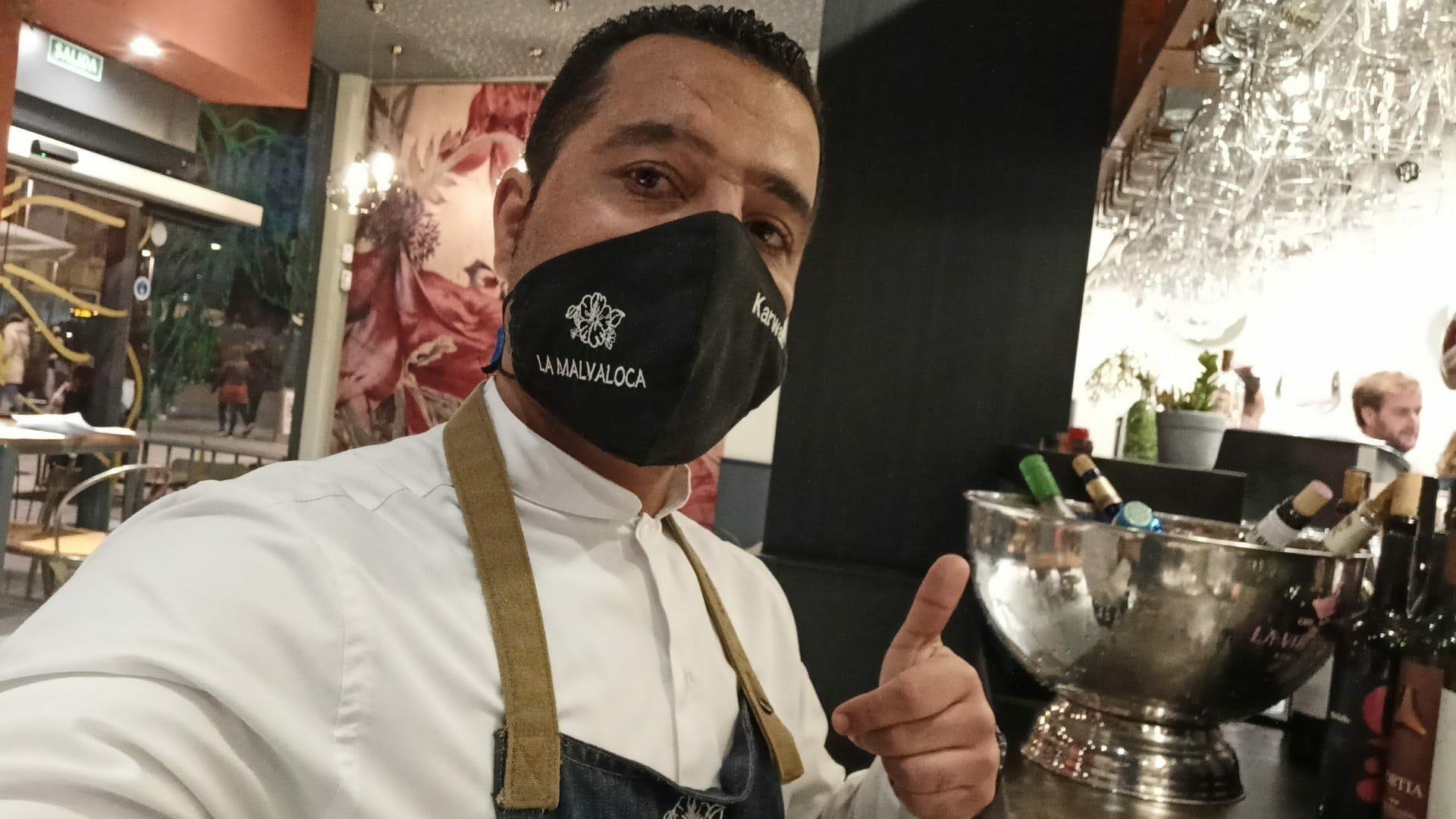Karwan en su actual vida como camarero en Sevilla - Sputnik Mundo, 1920, 23.08.2021