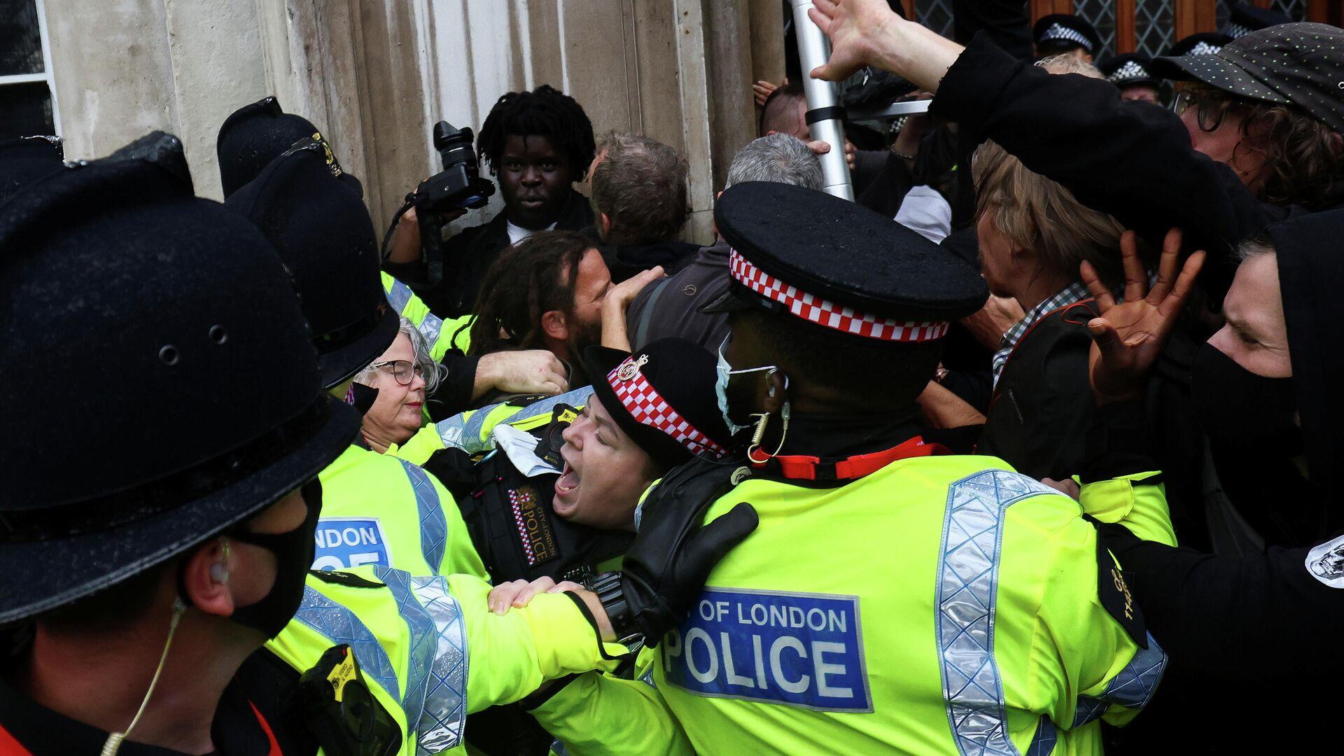 Protestas en Reino Unido - Sputnik Mundo, 1920, 03.09.2021
