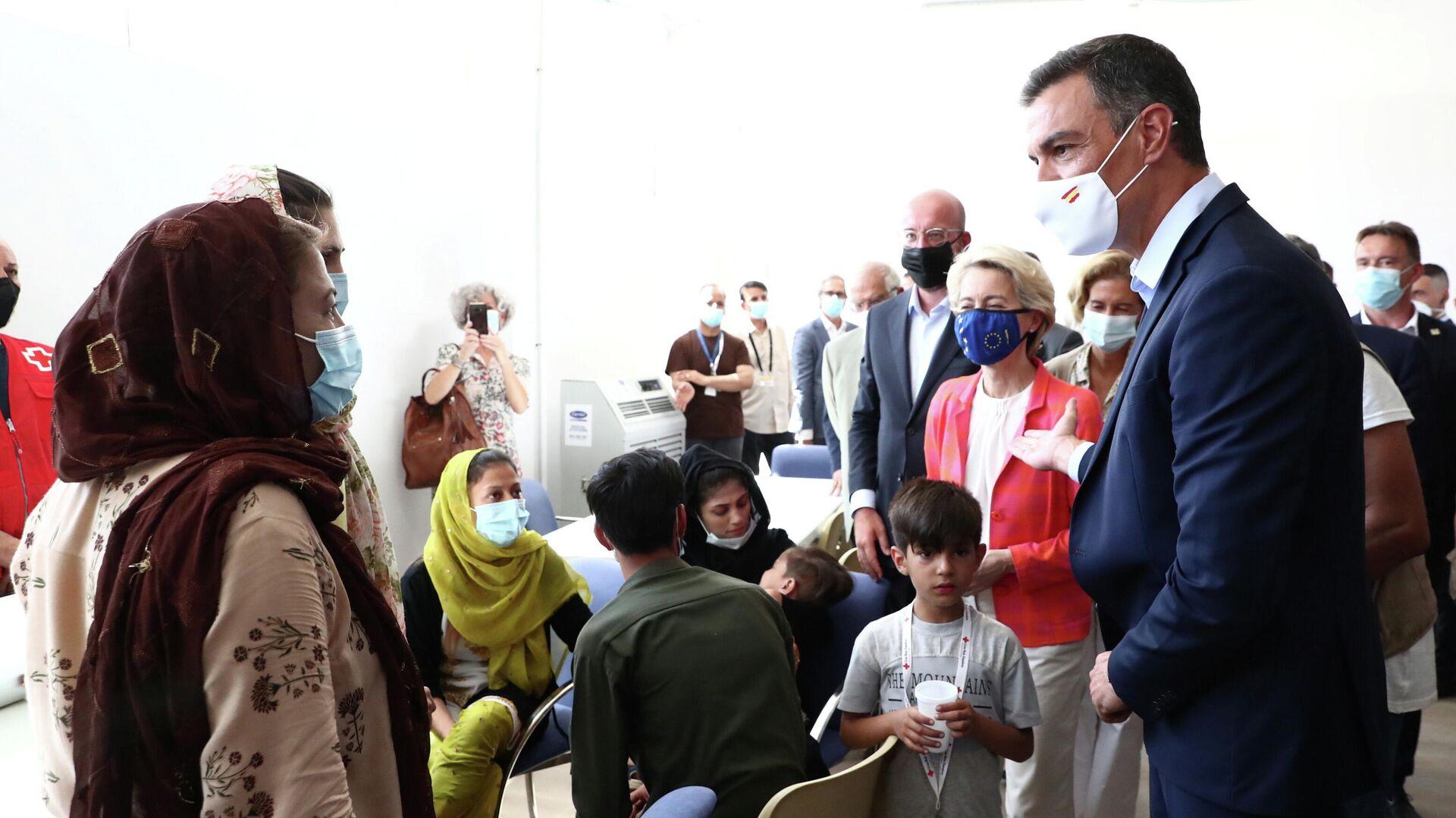 Pedro Sánchez recibe a los evacuados de Afganistán - Sputnik Mundo, 1920, 23.08.2021